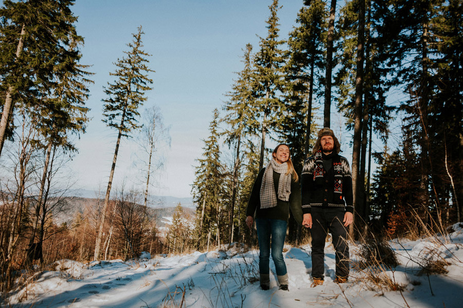 pine forest winter couple session