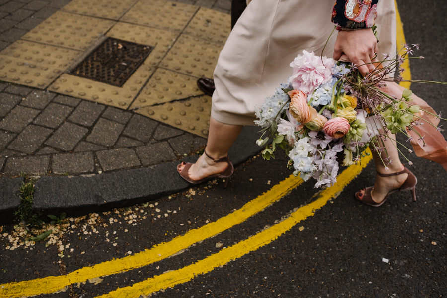 London Wedding Photographer couple gail smith bouquet