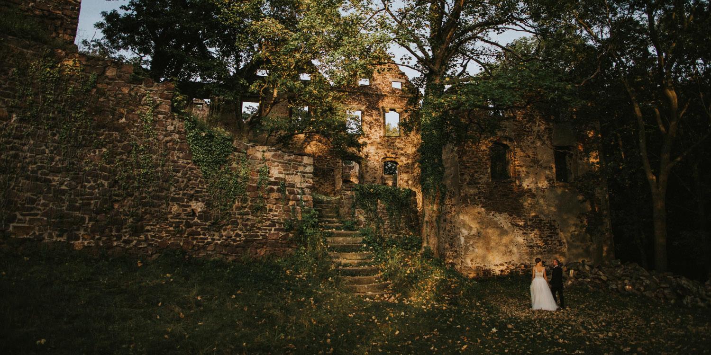 Fotografia Ślubna wykonana na plenerze w Województwie Dolnośląskim przez Joannę Jaskólską